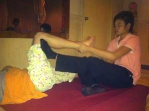 massage thailandais de la jambe en thailande