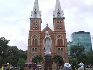 visiter Notre Dame à Saigon