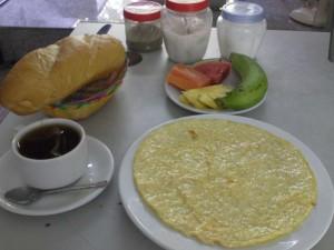 reservation hotel saigon petit dejeuner