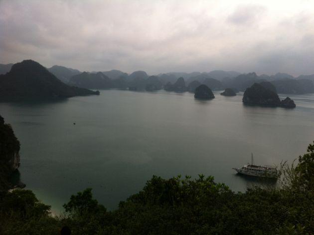 baie along au vietnam
