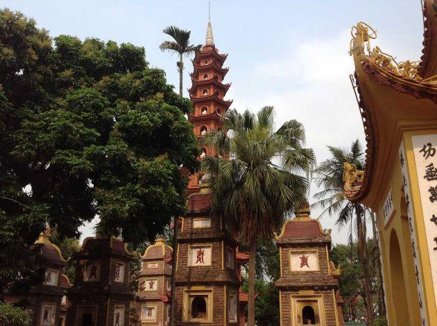 pagode tran quoc hanoi