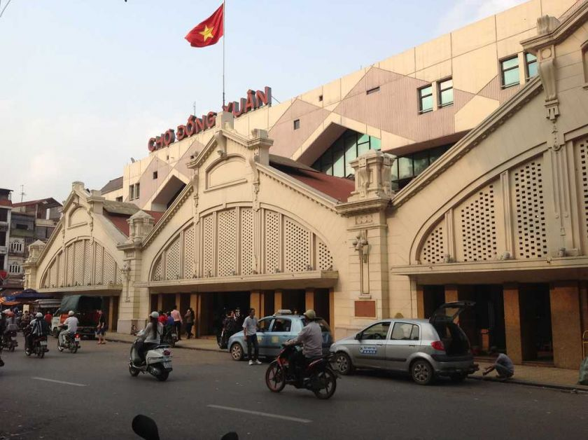 LE MARCHÉ DONG XUAN