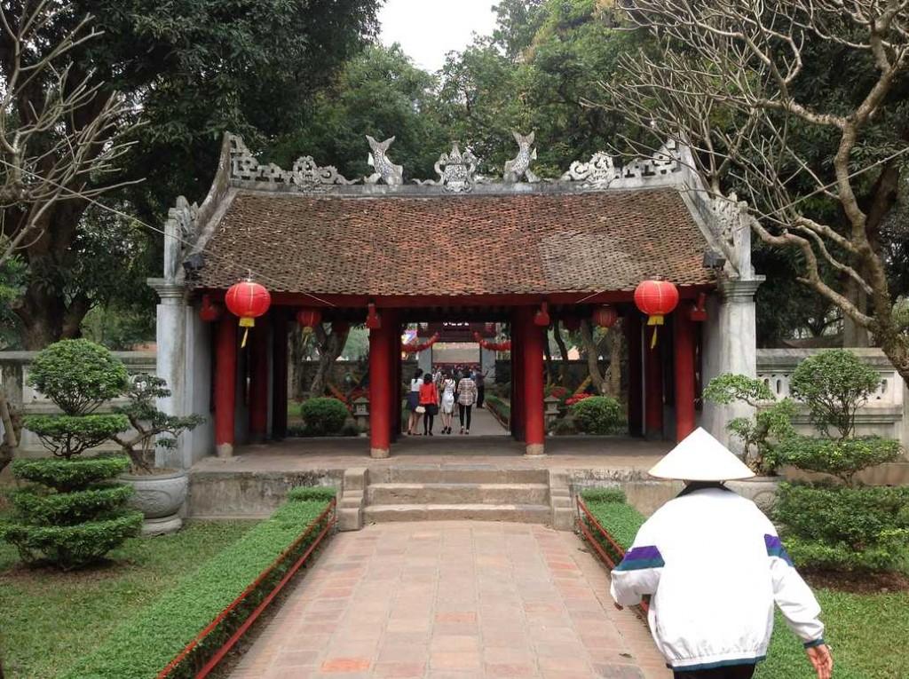 temple litterature hanoi
